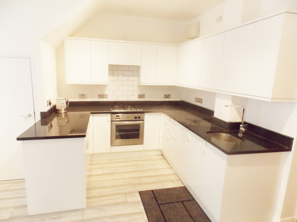House To Rent In London L2L196-734