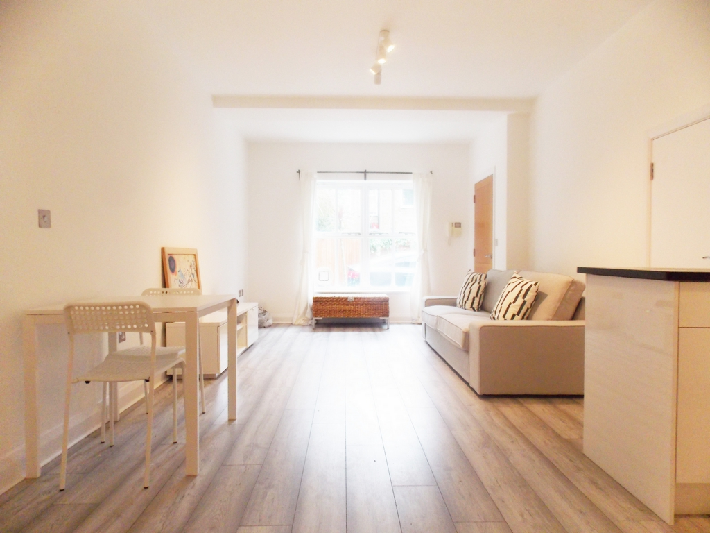 House To Rent In Streatham Hill L2L196-734