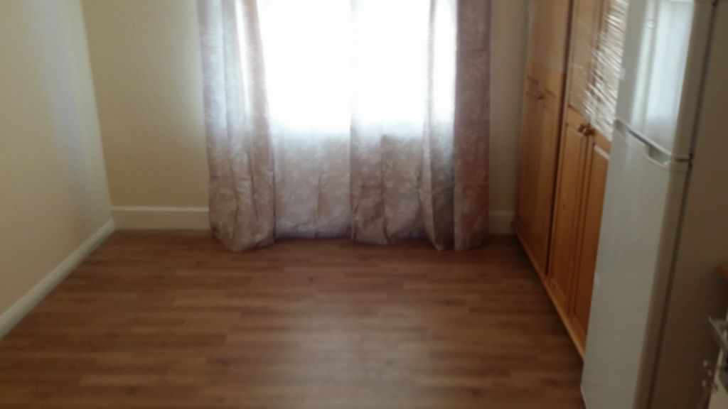 Flatshare To Rent In London L2L200-1293