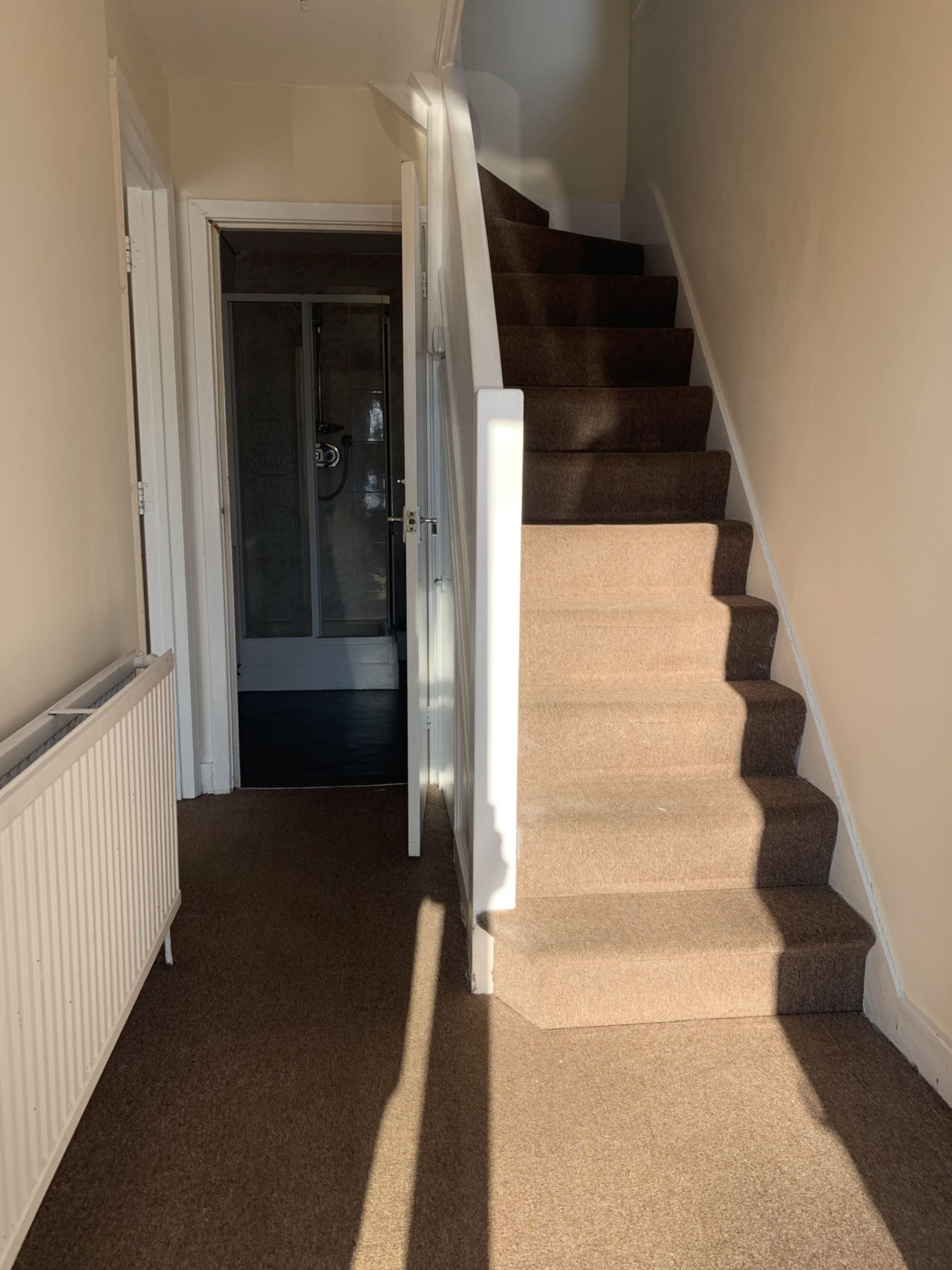 House To Rent In London L2L200-722