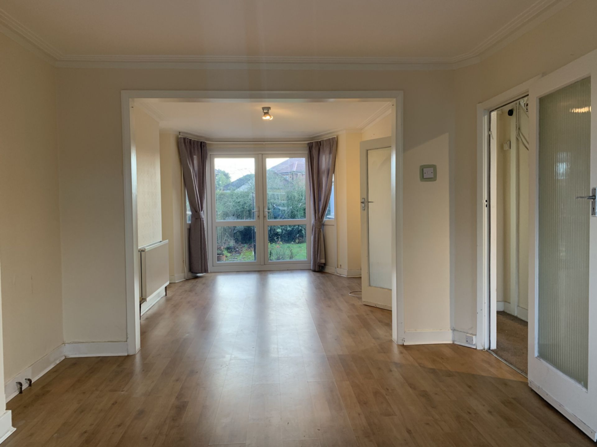 House To Rent In Queensbury L2L200-100