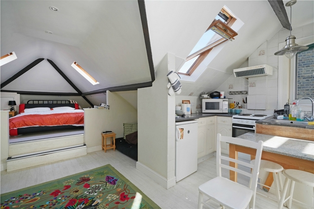 Flats And Apartments To Rent In London L2L206-607