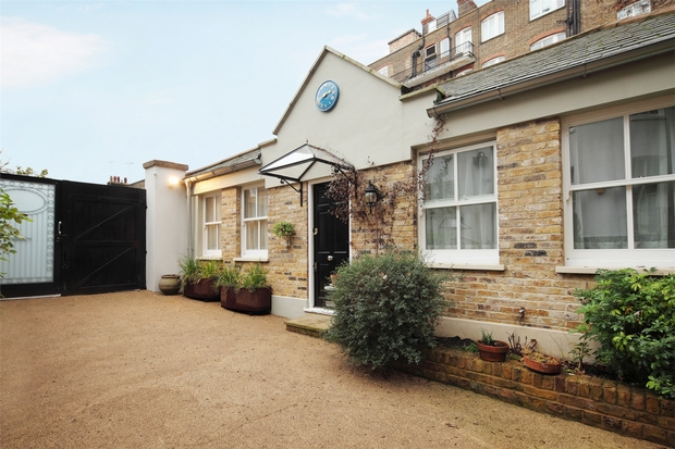 Property To Rent In London L2L206-597