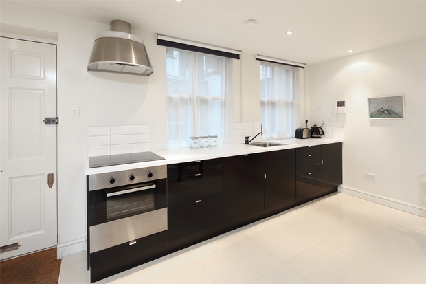 House To Rent In Barons Court L2L206-597
