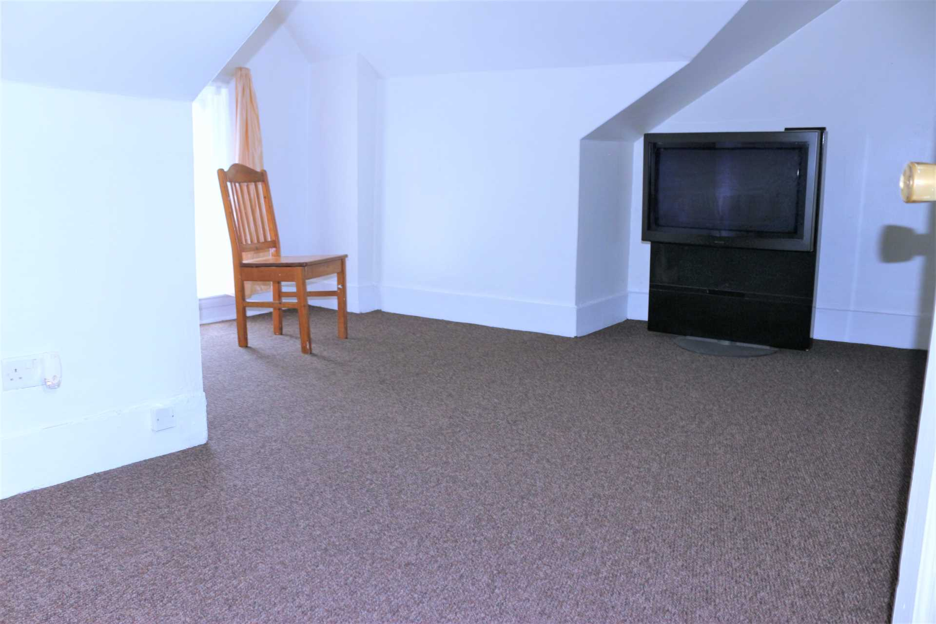 Flats And Apartments To Rent In London L2L2162-319