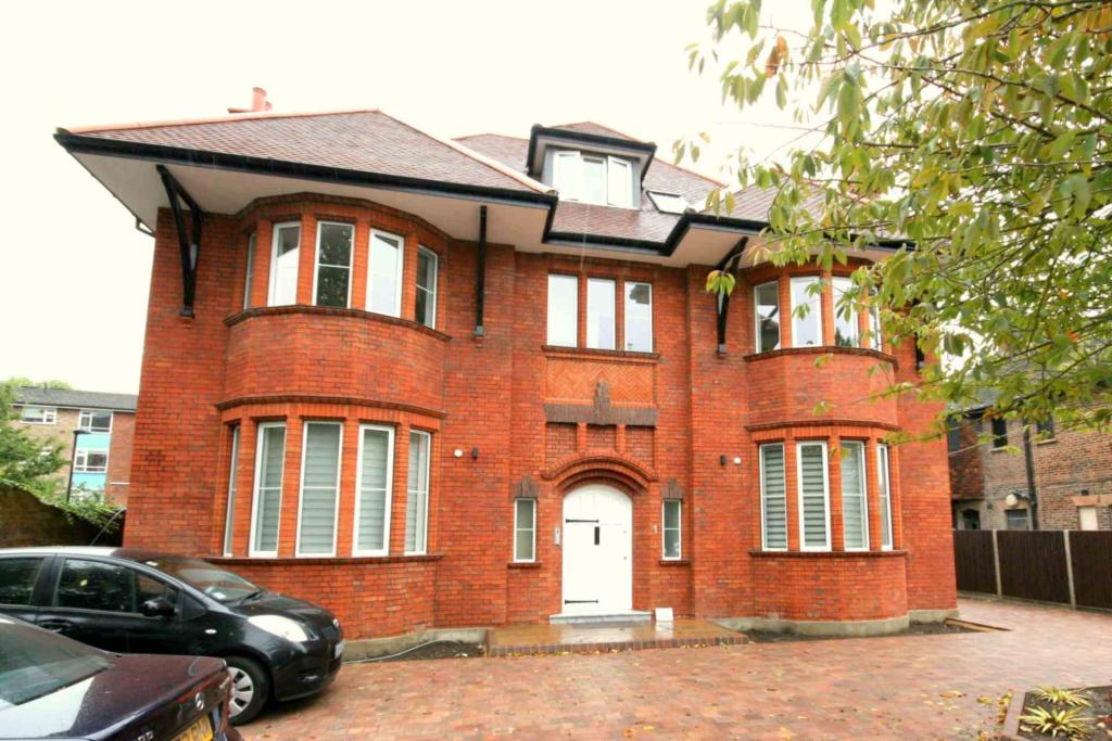 Property To Rent In London L2L2271-520