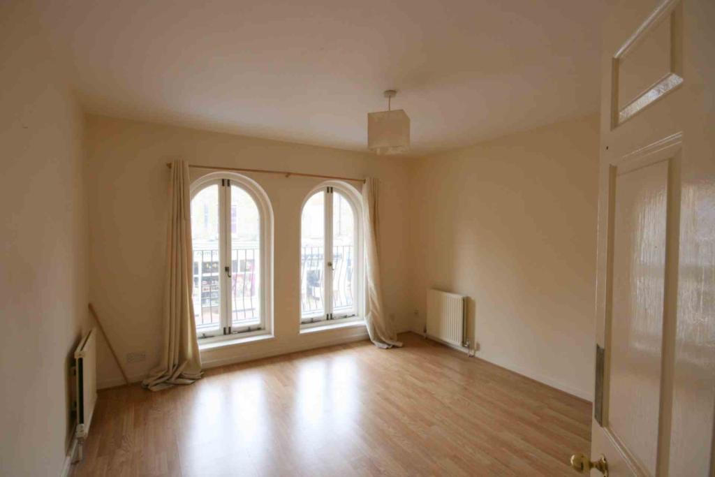 Flats And Apartments To Rent In London L2L2271-526