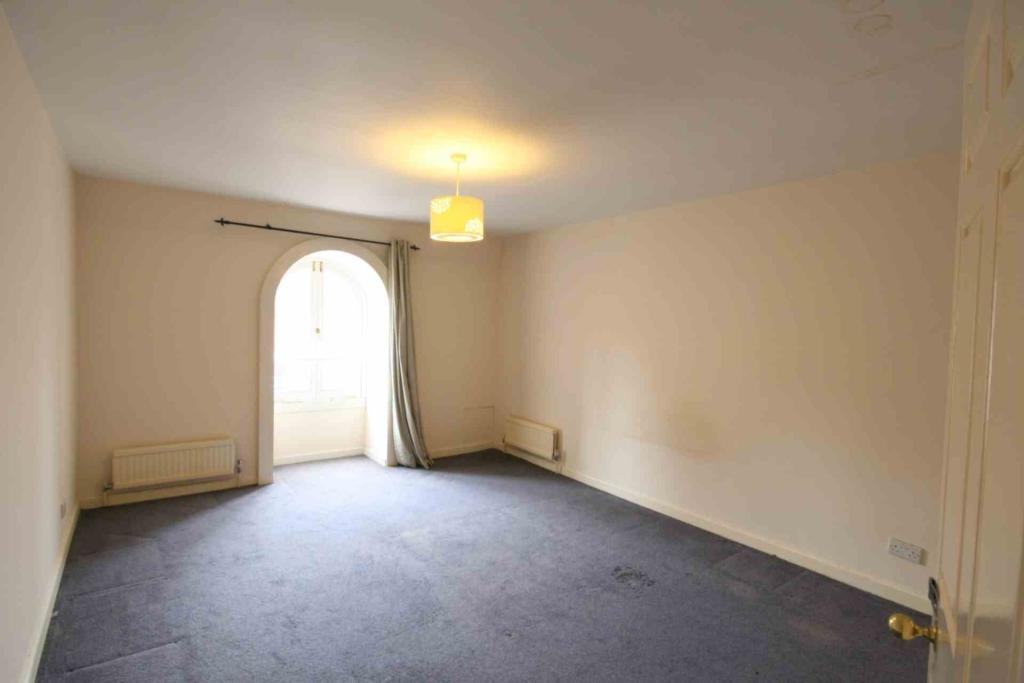 Flats And Apartments To Rent In South Ealing L2L2271-526