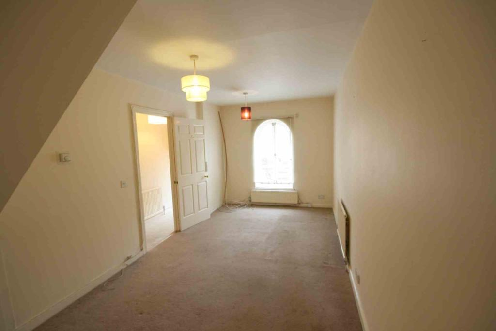 Rent In South Ealing L2L2271-526