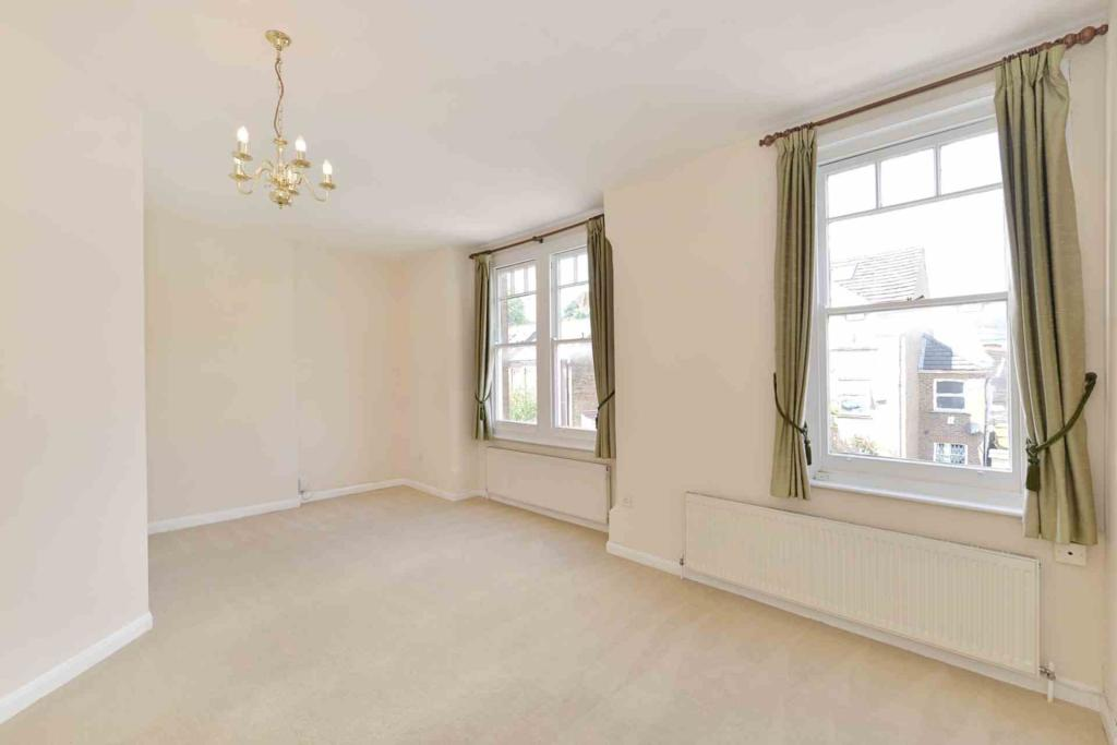 Flats And Apartments To Rent In London L2L2271-471