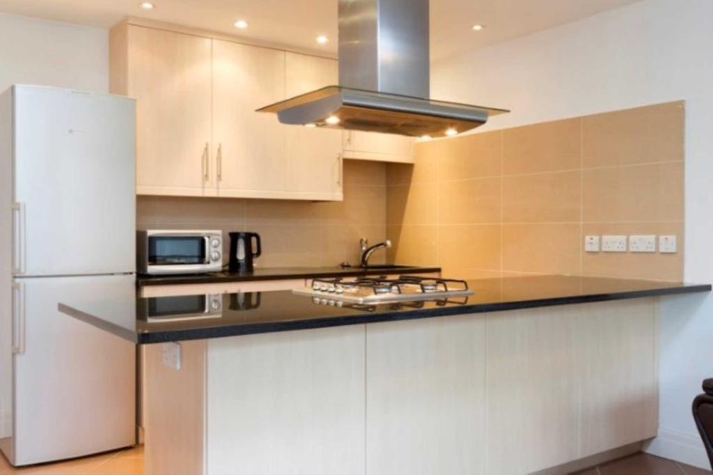 Flats And Apartments To Rent In South Ealing L2L2271-441