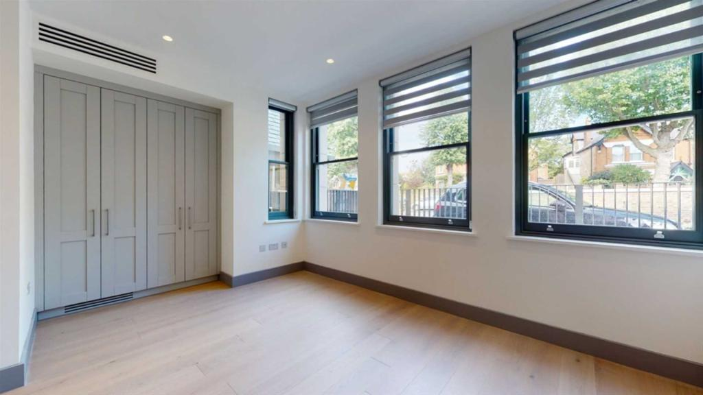Rent In South Ealing L2L2271-430