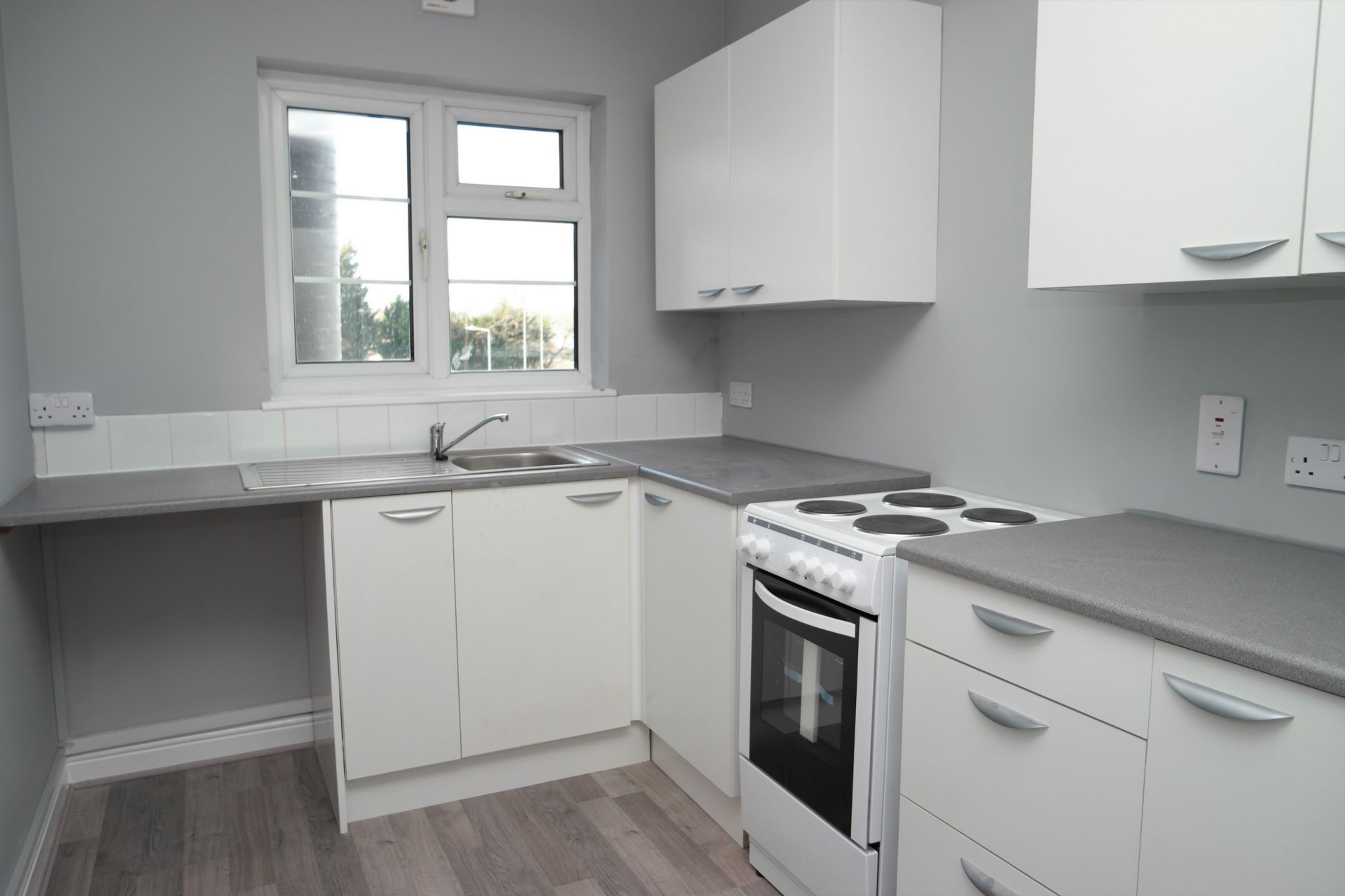 Property To Rent In London L2L232-321