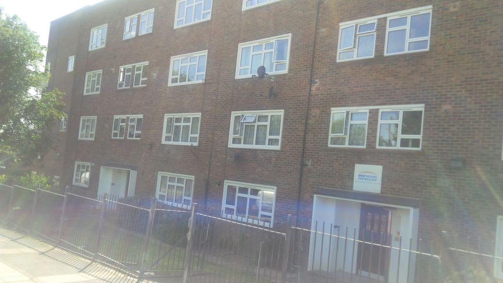 Property To Rent In London L2L245-149