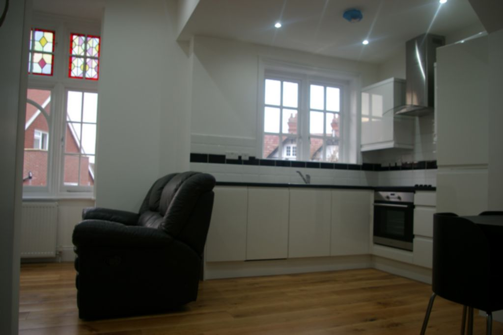 Flats And Apartments To Rent In London L2L245-100