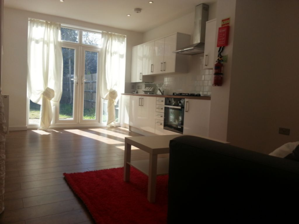 Flats And Apartments To Rent In London L2L245-135