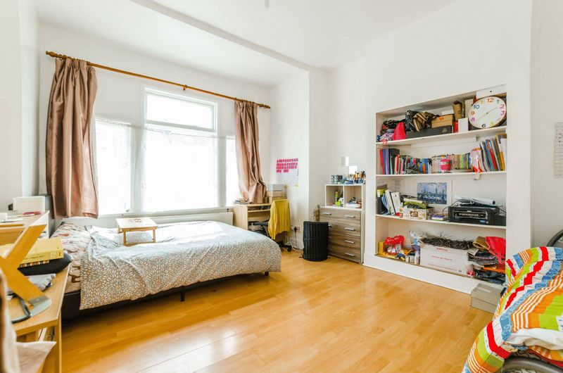 Property & Flats to rent with Homefinders - Hackney L2L2465-691