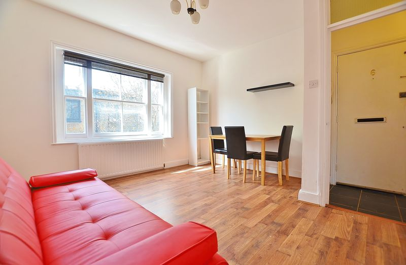 Property & Flats to rent with Homefinders - Hackney L2L2465-738