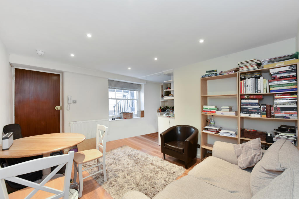 Property To Rent In London L2L2535-1490