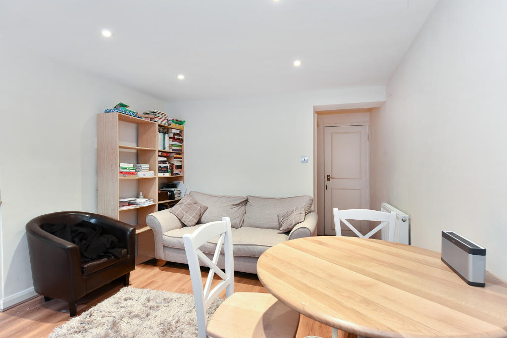 Flats And Apartments To Rent In London L2L2535-1490