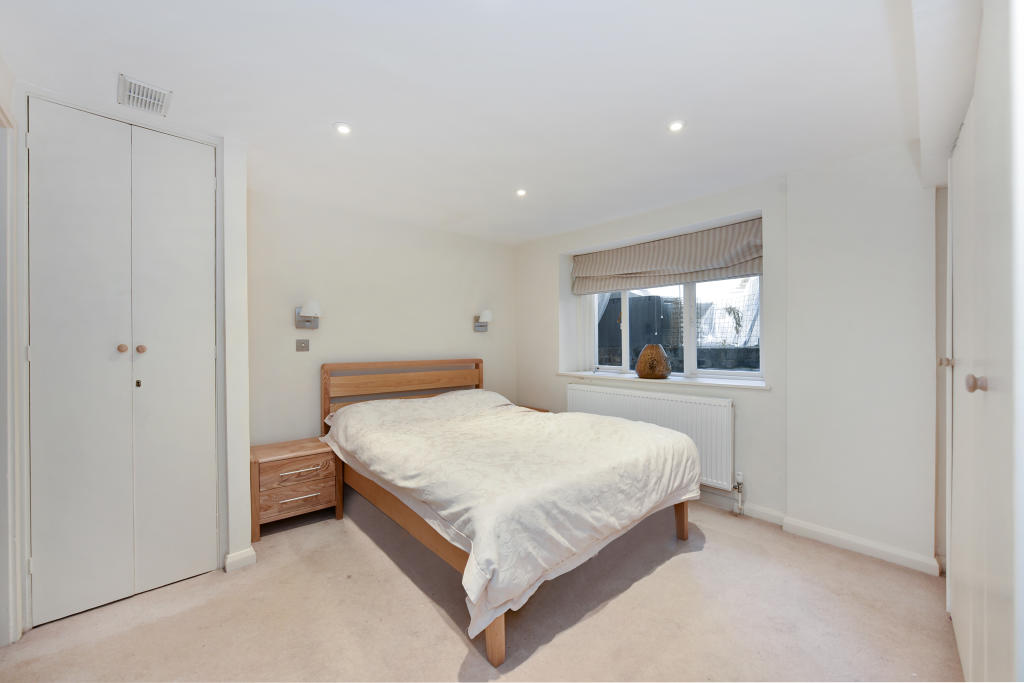 Flats And Apartments To Rent In Brompton L2L2535-1490
