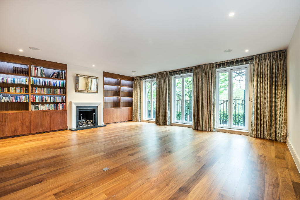 Property To Rent In London L2L2535-123