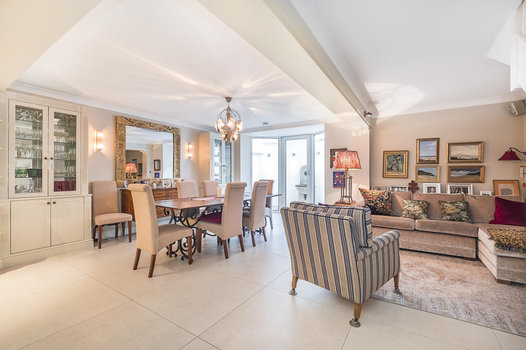 House To Rent In Chelsea L2L2535-235