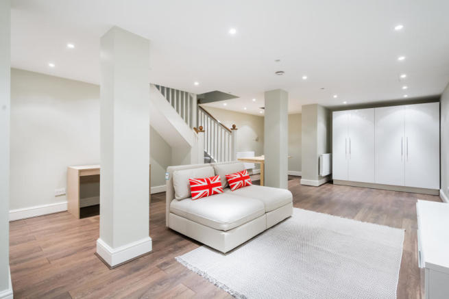 Rent In London L2L2535-403