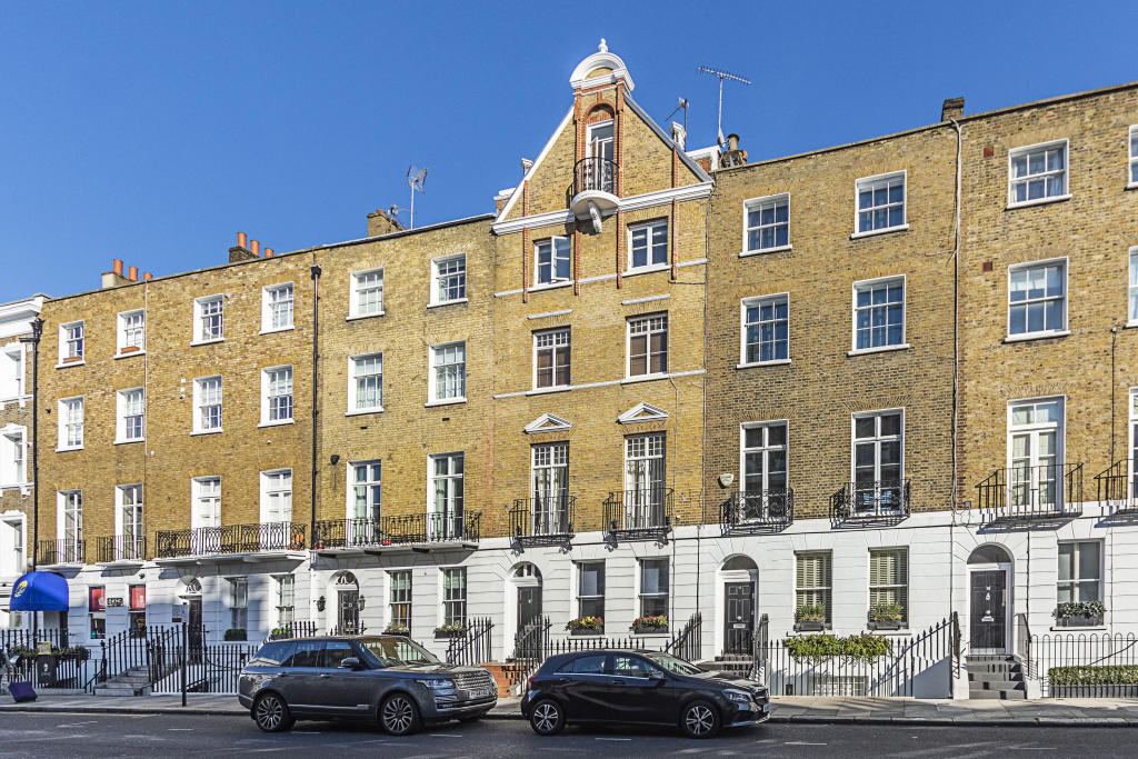 Property To Rent In London L2L2535-599