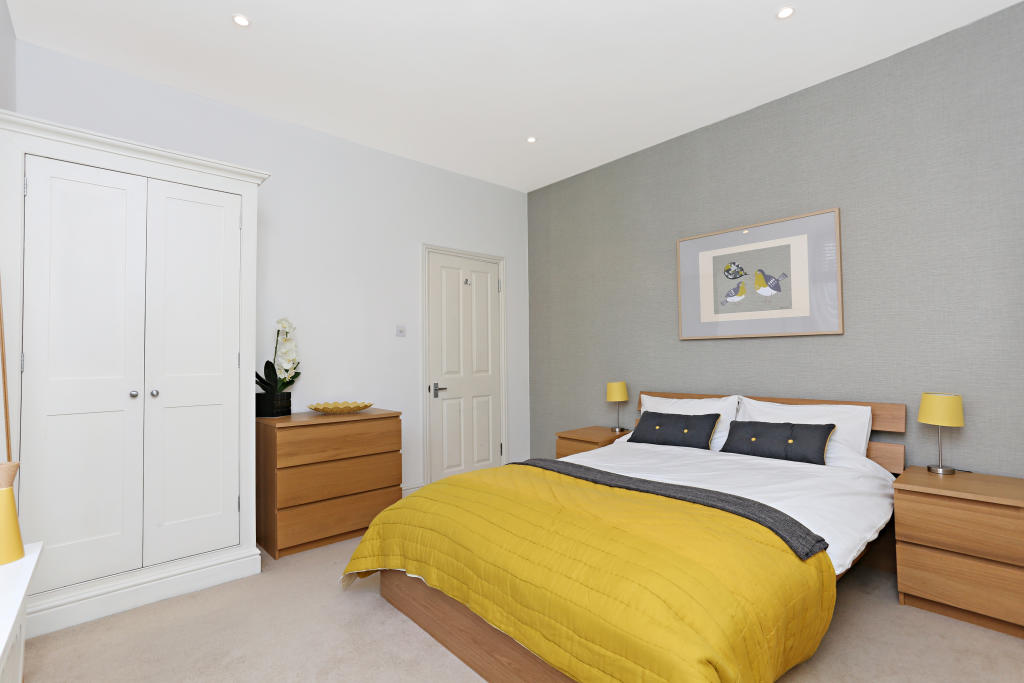 Property To Rent In London L2L2539-431