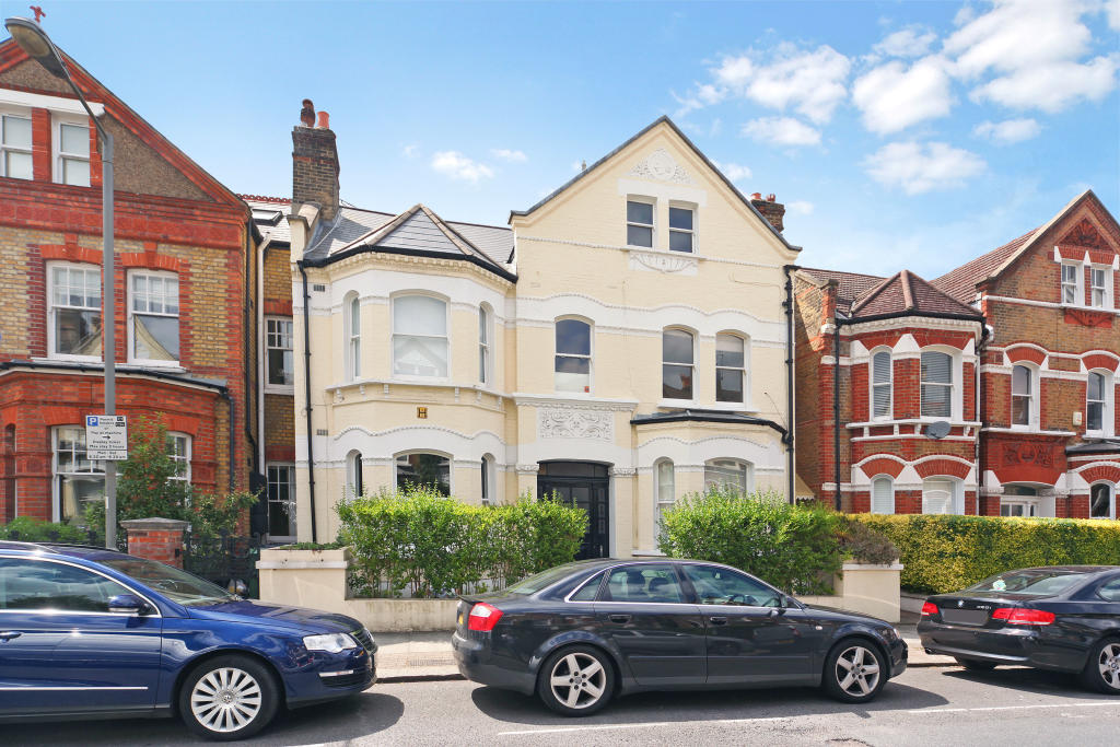 Flats And Apartments To Rent In London L2L2539-2611