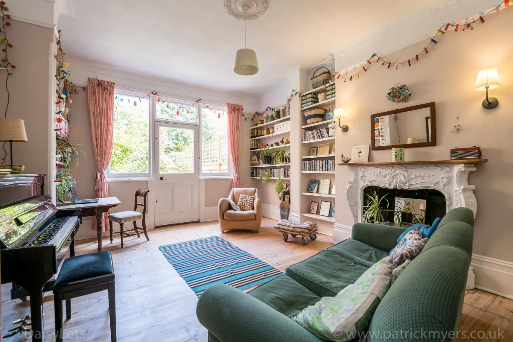 House To Rent In London L2L26-717