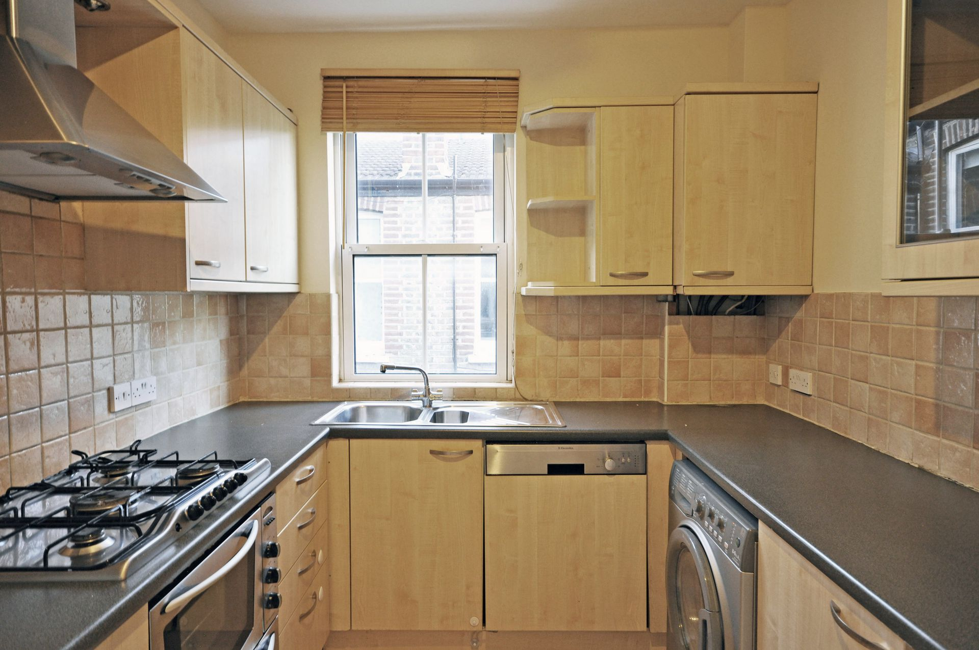 Flats And Apartments To Rent In East Sheen L2L261-278