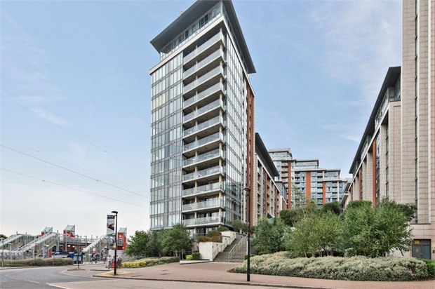 Property To Rent In London L2L264-813