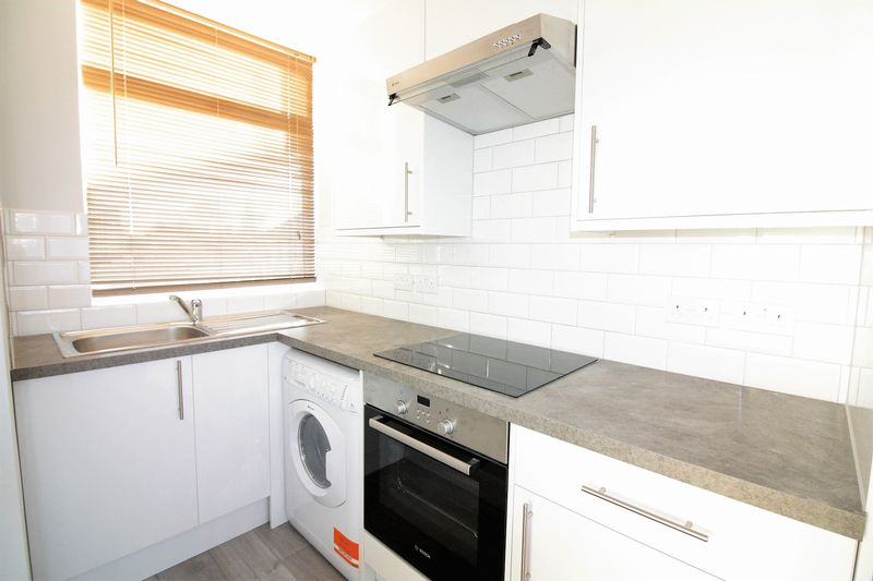 Property & Flats to rent with Lloyds Residential Bethnal Green L2L2718-7141