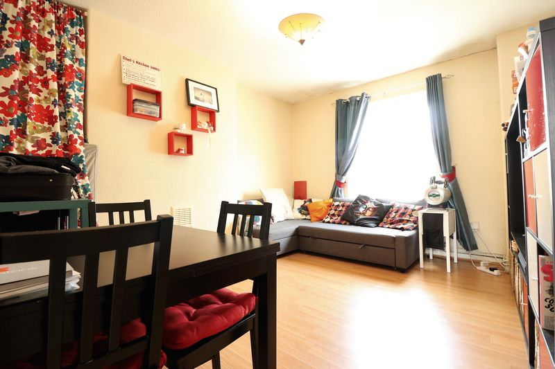 Property & Flats to rent with Lloyds Residential Bethnal Green L2L2718-7135