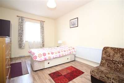 Property & Flats to rent with Mann Countrywide (Catford) L2L2743-461