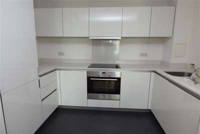 Property & Flats to rent with Mann Countrywide (Croydon) L2L2777-368