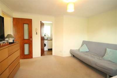 Property & Flats to rent with Mann Countrywide (Sutton) L2L2786-298