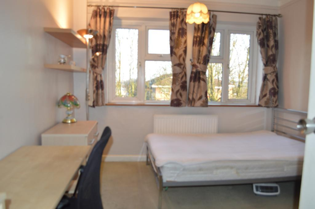 Property To Rent In London L2L28-195