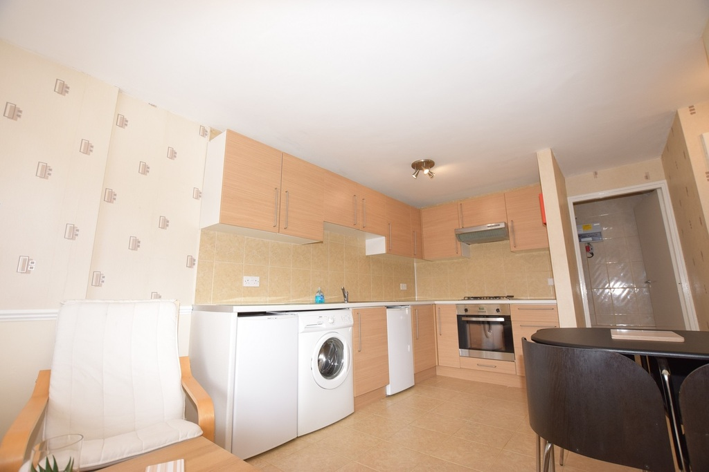 Student To Rent In London L2L288-696
