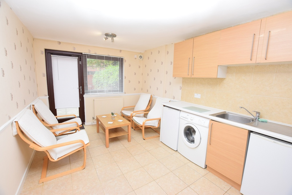 Property To Rent In London L2L288-724