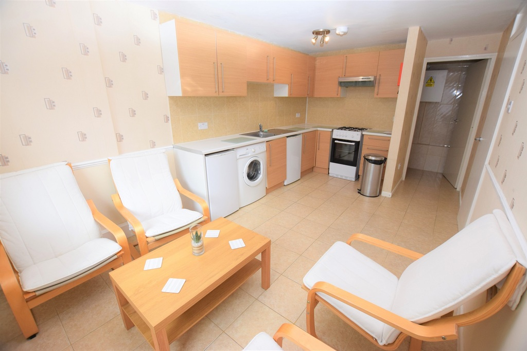 Student To Rent In London L2L288-724