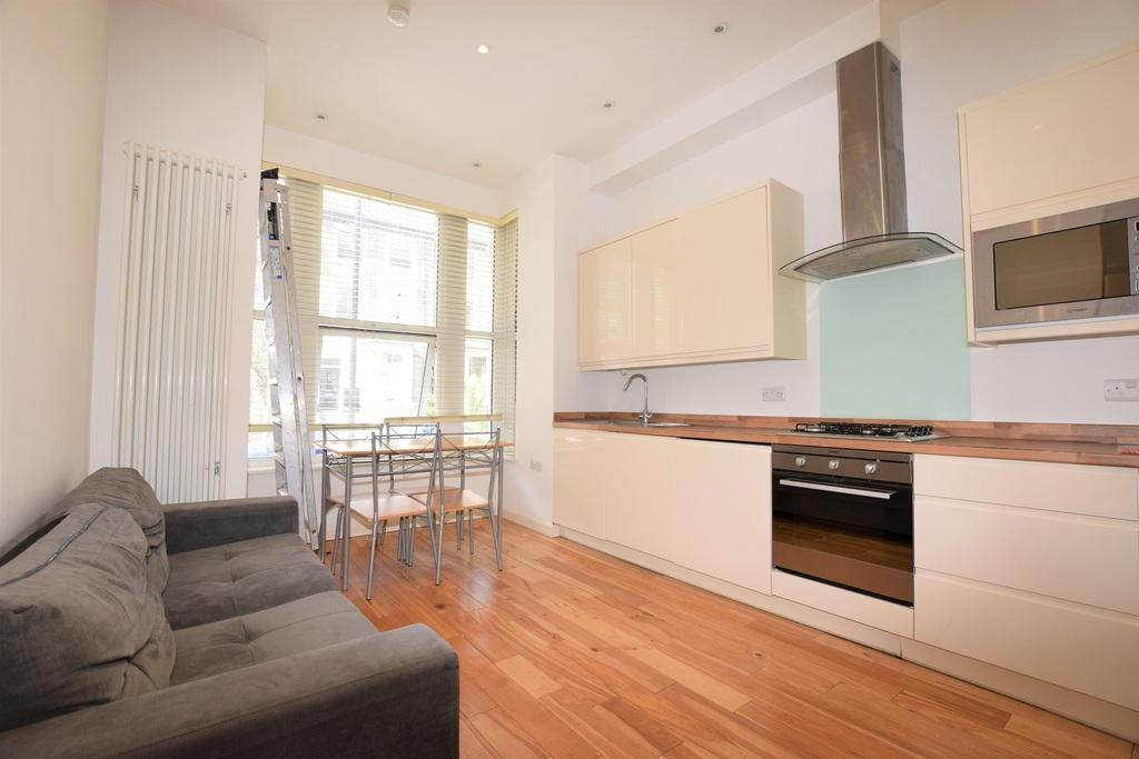 Property To Rent In London L2L288-100