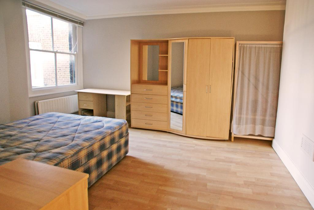 Flats And Apartments To Rent In Castelnau L2L29-145