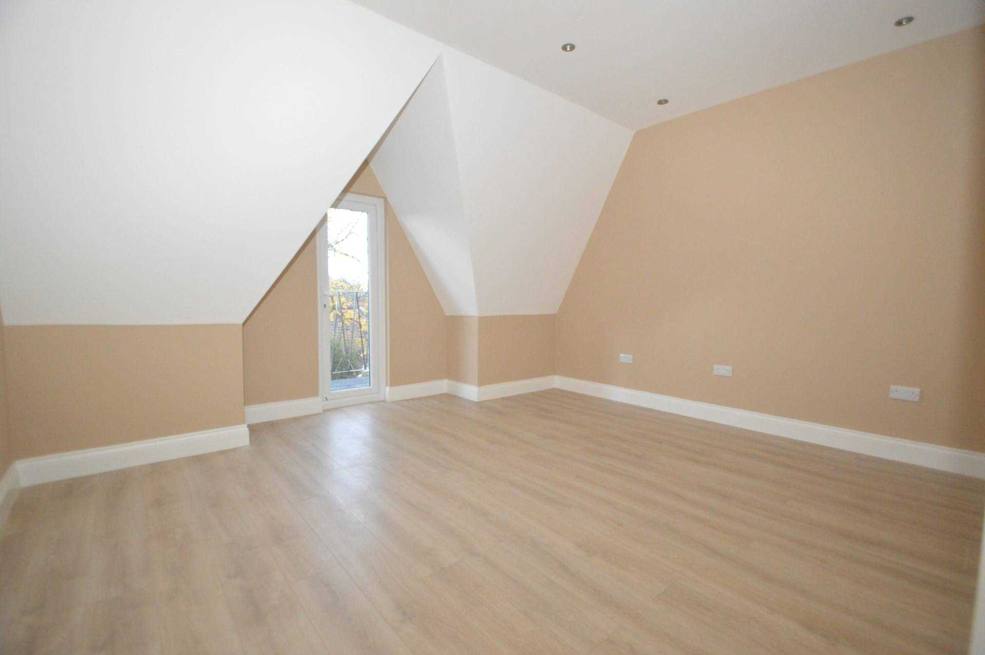 Flats And Apartments To Rent In London L2L3126-468