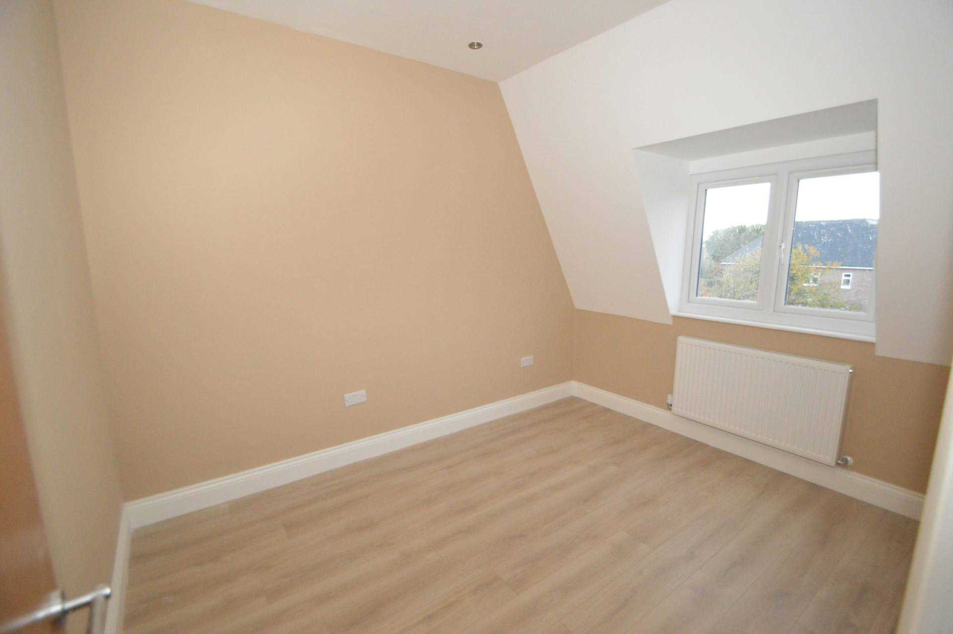 Flats And Apartments To Rent In Addlestone Bourneside L2L3126-468