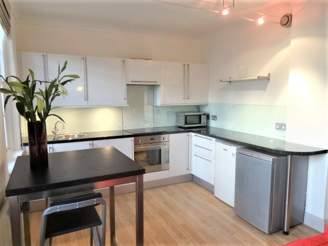 Parking And Other To Rent In London L2L3269-1524