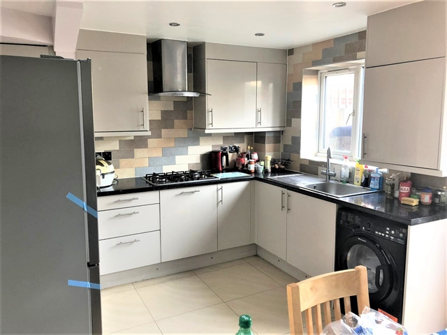 Property To Rent In London L2L3269-1545