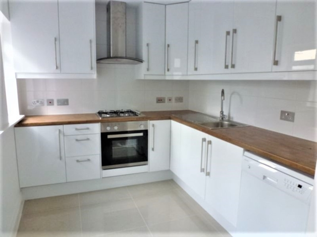 Property To Rent In London L2L3269-1546